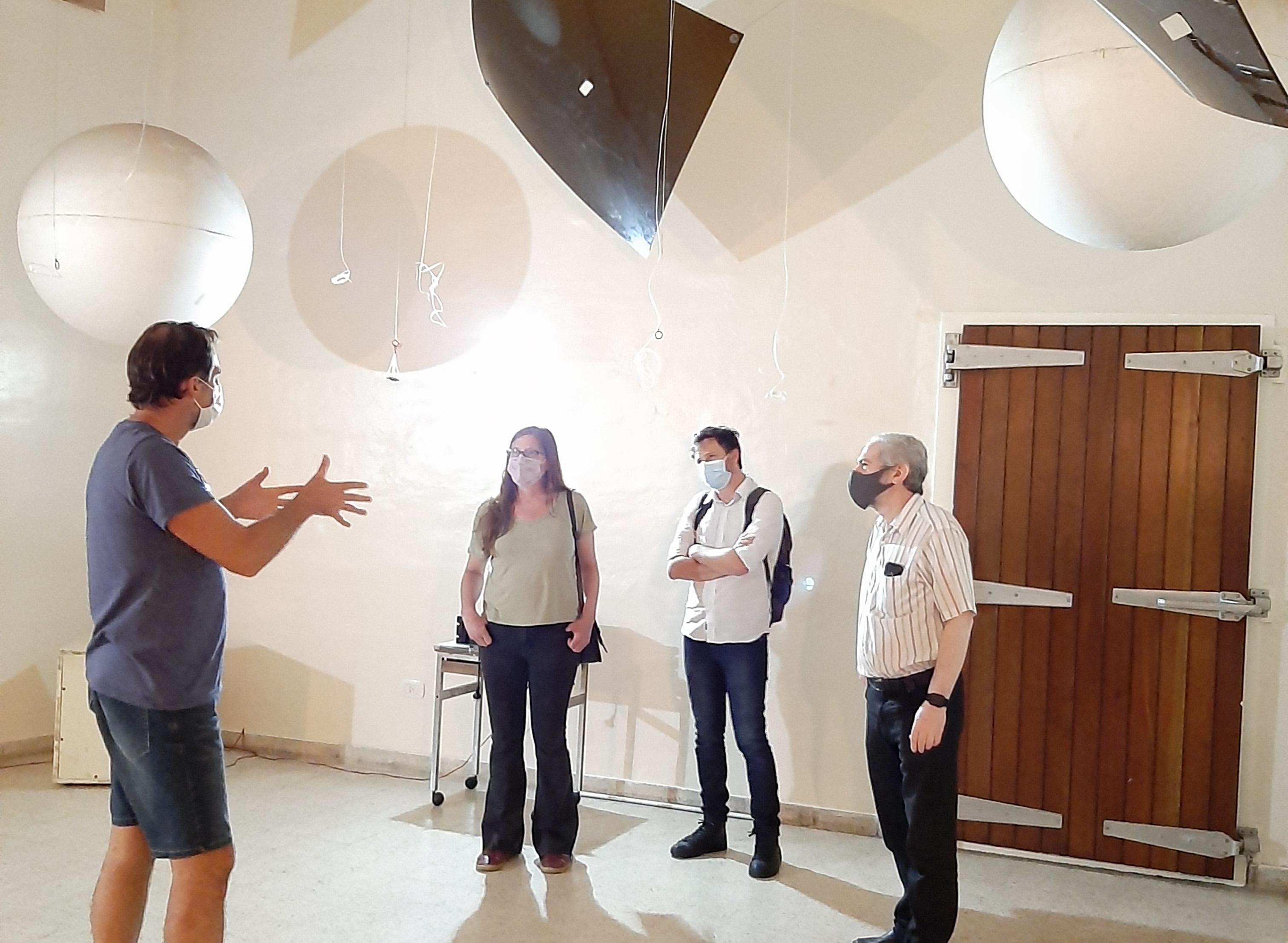 Naón visitó centros de I+D en el Campus Tecnológico de la CIC