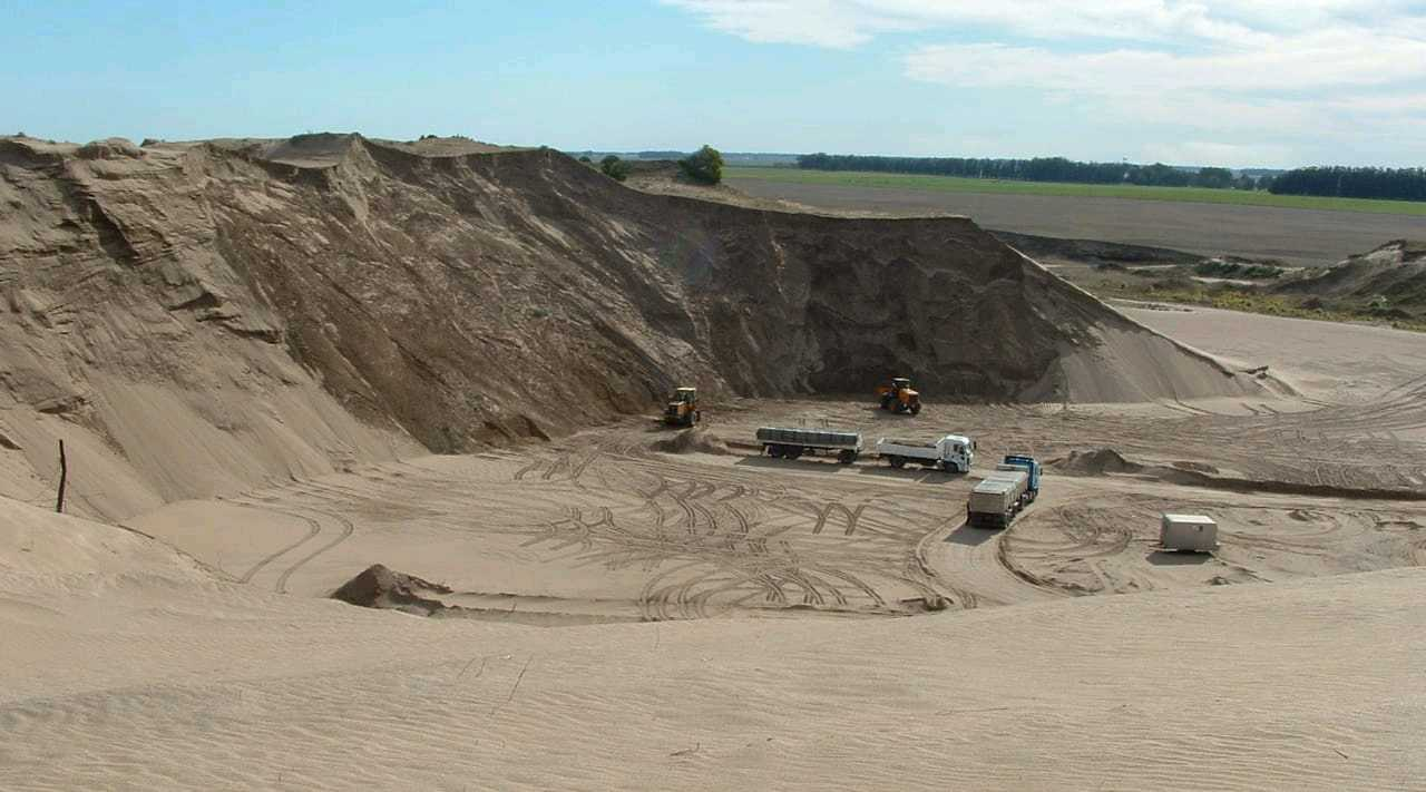 Read more about the article Se publicó un manual destinado a implementar prácticas mineras sustentables en ambientes dunarios